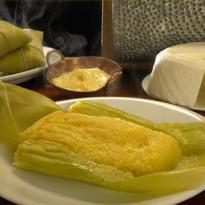 Pamonha goiana de queijo